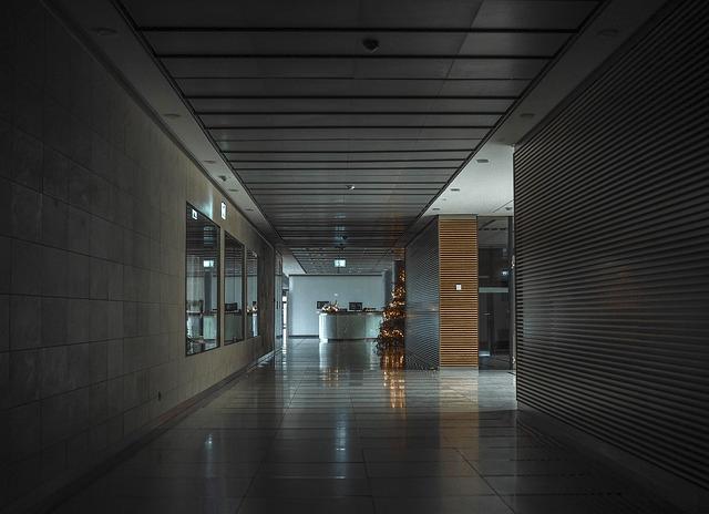 نظام الأبواب الشفافة